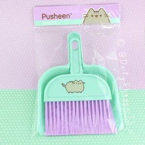 Pusheen Dust Pan and Brush